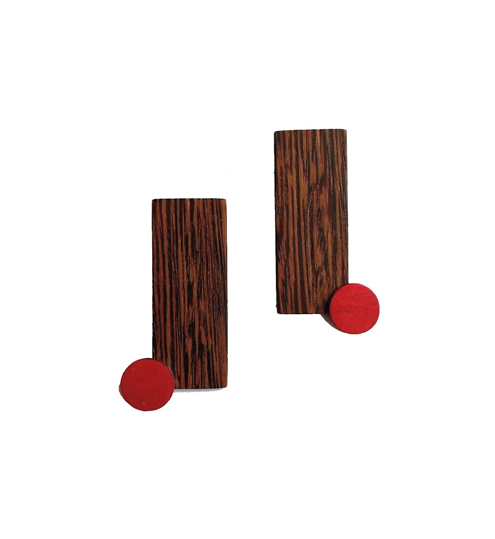 Delive in Wenge and Red